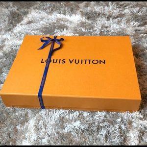Louis Vuitton neverfull MM box and ribbon